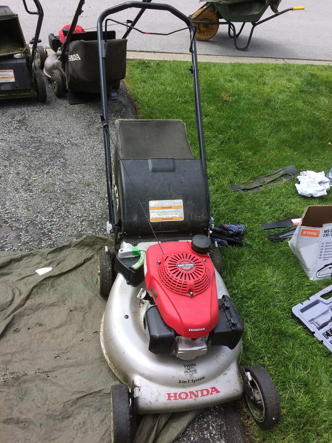landscaping  property maintenance   change  lawn mower oil   field proper